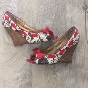 [Naught Monkey] floral wedges